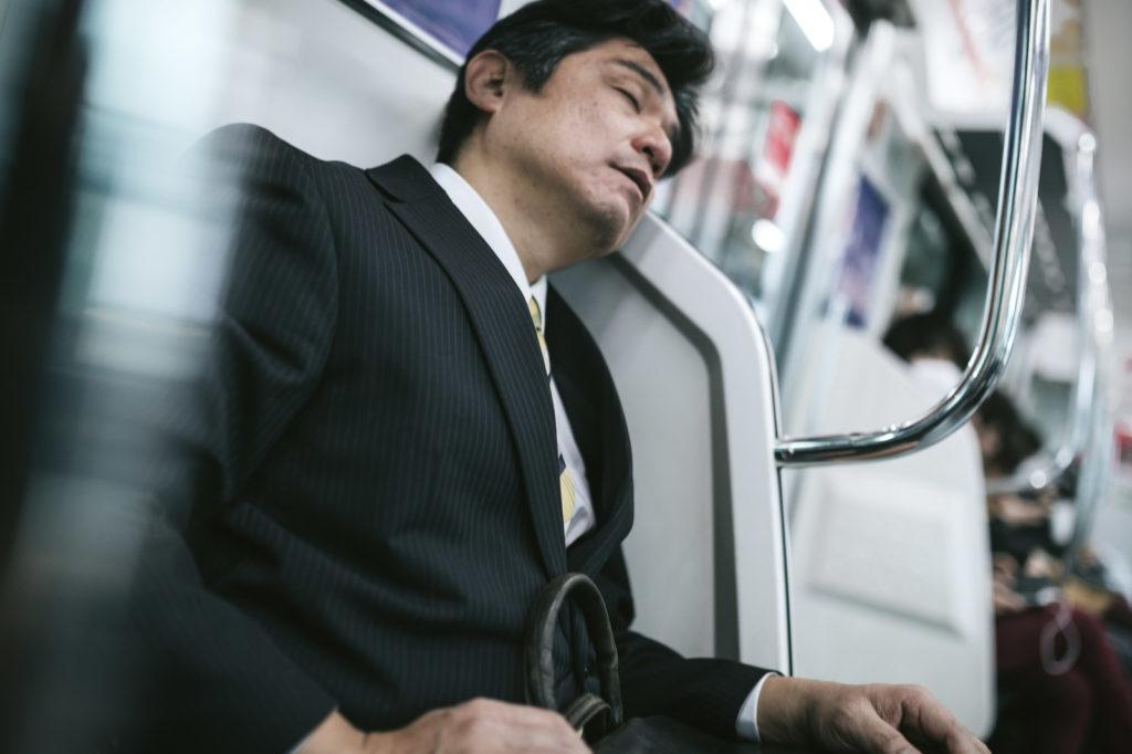 電車での通勤時間を有意義に使う法方6選!これで周りに差をつけよう!